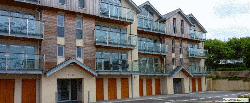 Porth Sands Beachfront Apartments